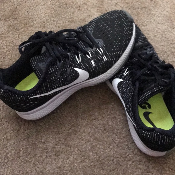 Barely worn Nike Running Shoes Size 8